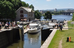 11-Boats entering the Rideau Canal, Ottawa